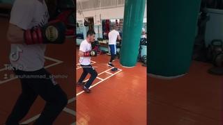 Mukhammad Shekhov  Boxing training