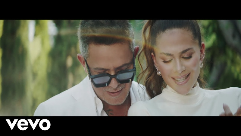 Greeicy Alejandro Sanz Lejos Conmigo Video Oficial