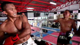 Видеообзор БУЛАТ (РОССИЯ): Buakaw Banchamek and Saenchai sparring at YOKKAO Training Center Bangkok #MuayThai