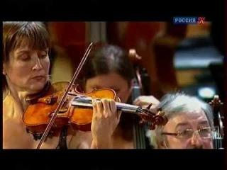 Виктория Муллова играет скрипичный концерт Брамса