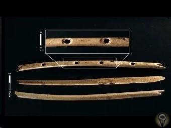 Древние флейты возрастом более 31 000 лет, найденные в пещере Холе-Фельс на территории Германии Археологи обнаружили на территории Германии четыре древние флейты. В ходе исследования находок