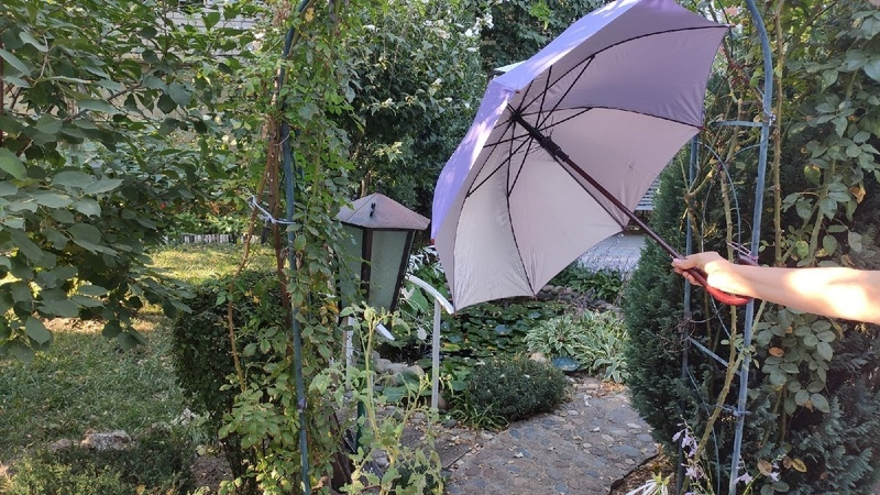 Хоть специально зонты ломай. Из сломанного зонтика в стильный декор для сада