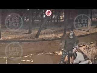 Старший сержант полиции стреляет в ногу 13-летней девочке