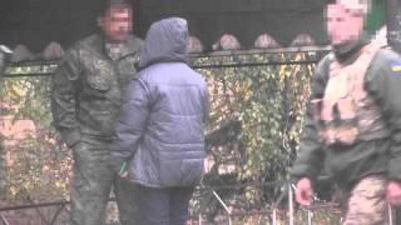 СБУ затримала міліціонера, який обклав даниною мешканців райцентру в районі АТО