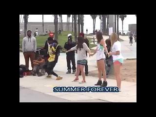 Элисон Стоунер,Меган Николь и Анна Грейс Барлоу на съемках фильма Summer Forever