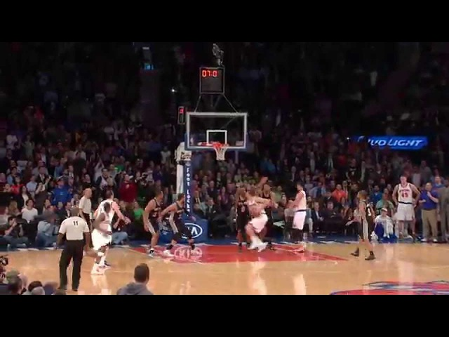 Lou Amundson Hits Clutch Game-Tying Shot