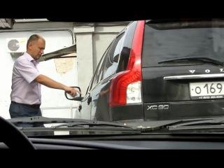 Мэр Светогорска садится за руль не имея прав