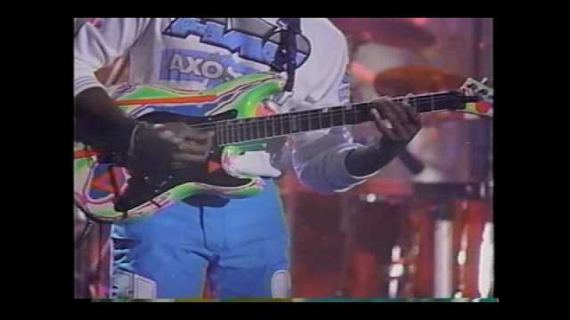 (BETTER QUALITY!) Living Colour performing Cult Of Personality on Arsenio