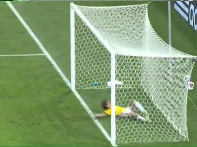 Sensacional Após contra ataque Pedro chuta e David Luiz salva aos 40 do 1º tempo