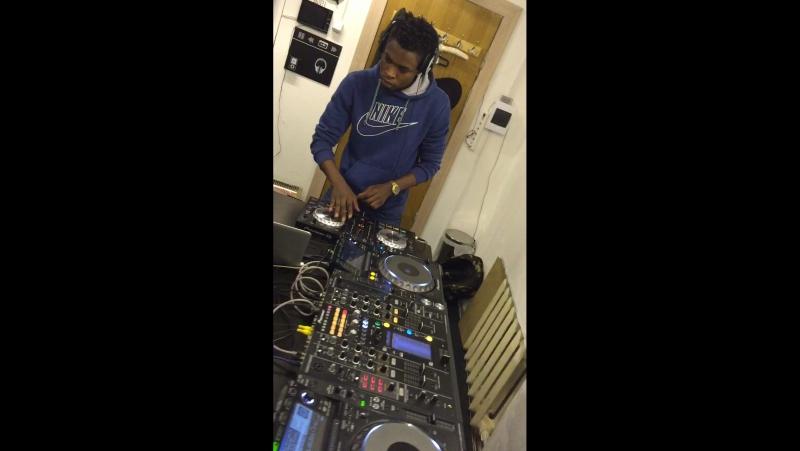 DJ El'Nawti djs djlifestyle