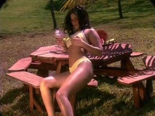 Pets In Paradise (512x384,DivX;)LM) - Tera Patrick, Sunny Leone, Kyla Cole [Penthouse,2001,0h59]