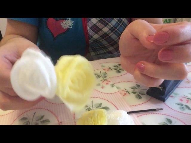 Розы из бумажных салфеток для топиария