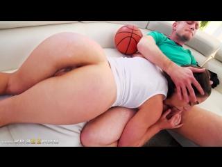 Тренер трахнул юную баскетболистку abella danger brazzers porn