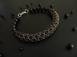 Tutorial Video -- How to Make a Tubular Netting Stitch Bead Bracelet. МК. Жгут из бисера и бусин