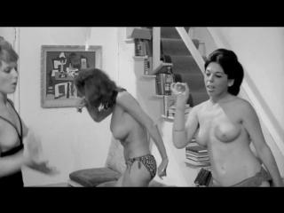 Pat Barrington  nackt
