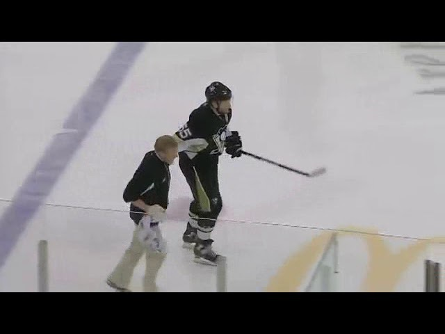 Alex Ovechkin knees Sergei Gonchar and injures him in game 4 (2009)