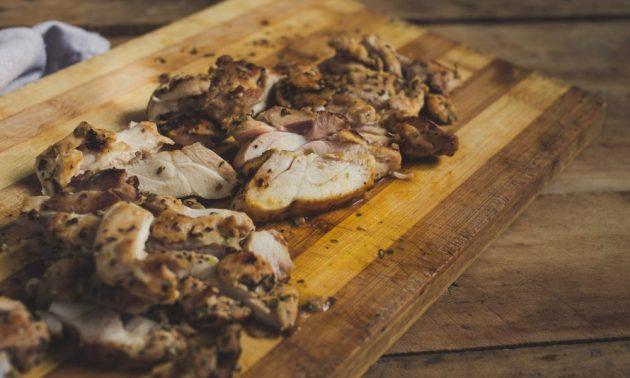 Как приготовить гирос с курицей и йогуртовым соусом, изображение №4