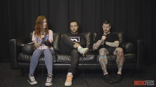 Fall Out Boy говорят о Warped Tour, рок музыке и Guns 'N' Roses.