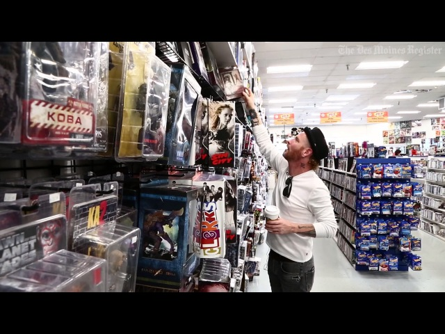 A trip to the comic store with Slipknot's Corey Taylor