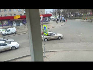В туле женщина бросила свое авто по середине проезжей части