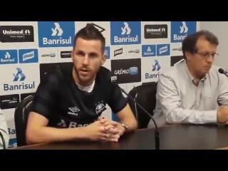"""""""Eu vim para o Grmio, pelo desafio, de trocar um time grande por um time gigante."""" - Paulo Victor"""