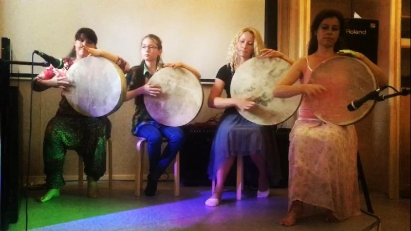 Negina on frame drums