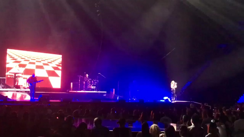 Noah Cyrus sings Million Reasons by Lady Gaga at Witness The Tour