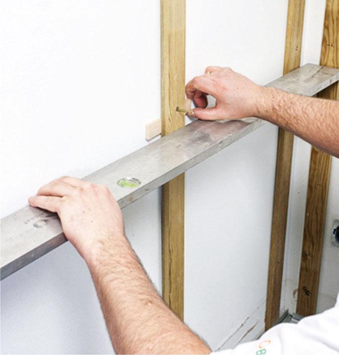 Паркетная доска на стене: особенности приёма и варианты укладки