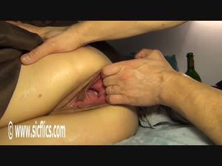 Evas xxl vaginal stretching [фистинг, fisting, extreme pussy insertion, gape, домашнее порно]