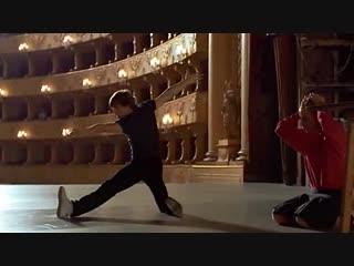 """Михаил Барышников танцует под песню Владимира Высоцкого """"Кони привередливые"""" Сцена из фильма """"Белые Ночи"""" (1985)."""