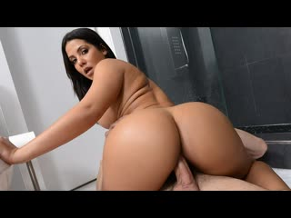 Rose monroe - sneaking and freaking in the shower (big ass, big tits, blowjob, black hair, latina)