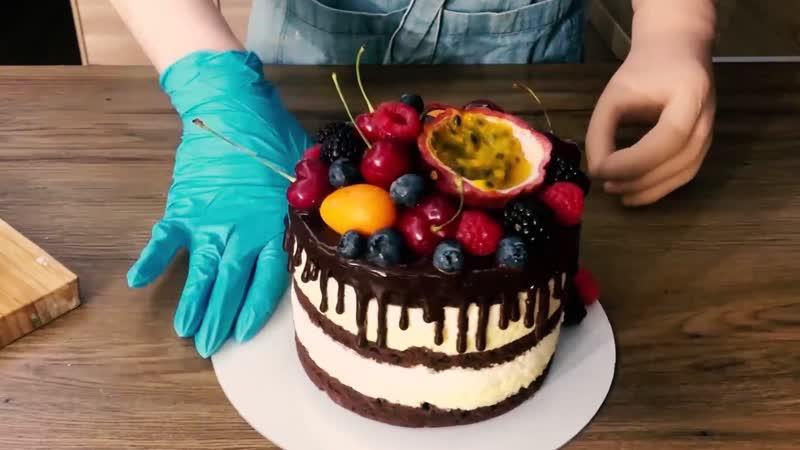 Александра Вяткина готовит манговый торт