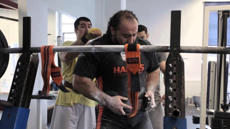Zahir Khudayarov Squat RAW 3 x 440 kg 968 lbs