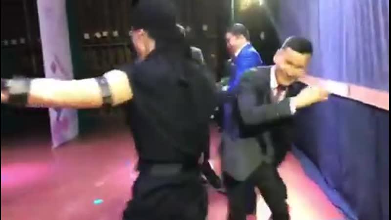 Әзіл әлемі Концерт шымылдығы жабылғанда