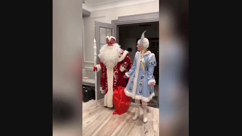 Теюша верит в Деда Мороза )
