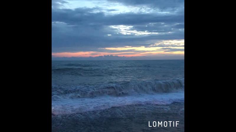 Безмятежное море , солёная тишина и лёгкий бриз- что ещё нужно для счастья 🌊 ♥️