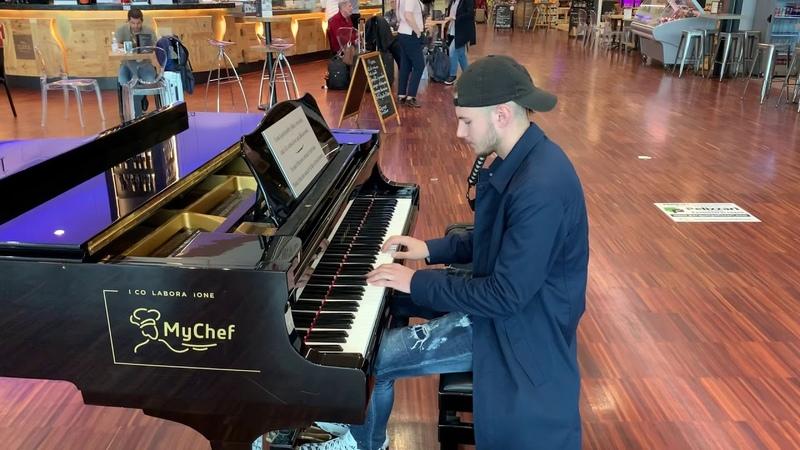 Ludovico Einaudi Una Mattina Intouchables Piano at Milan Airport