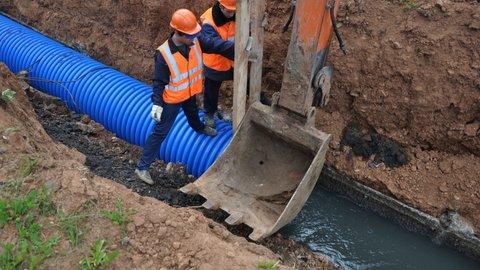 Стало известно, в каких населенных пунктах КЧР проложат новый и заменят ветхий водопровод