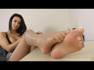 Office girl lauren distracts you with her sheer nylon legs & feet