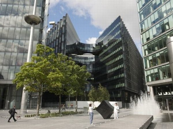 New Pricewaterhouse Coopers Green Office Building in London