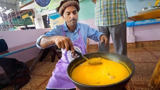 Pakistani Thai Food!! 🇵🇰 🇹🇭 UNBELIEVABLE GOAT CURRY! |  อาหารไทยปากีสถาน