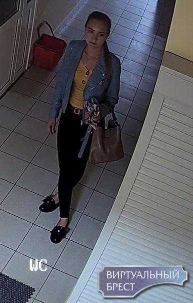 Устанавливаем личности женщин, которые могут являться свидетелями кражи на автовокзале
