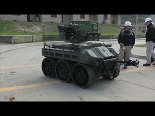 Боевой американский робот 'hunter wolf'