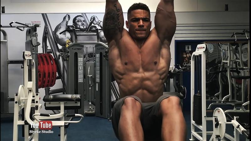 Elton Pinto Mota Gymshark Fitness Model Workout Styrke Studio