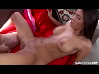 Пышногрудая Madelyn Marie - Hot Horny
