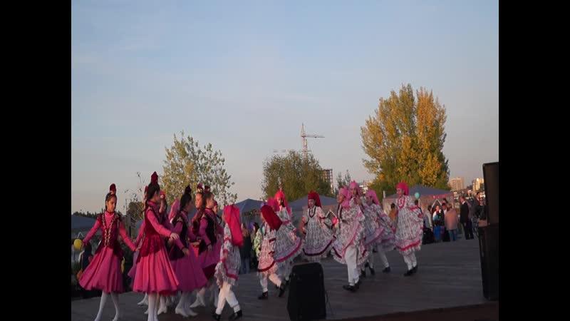 Золотая осень Алтын кез на Набережной Г Тукая