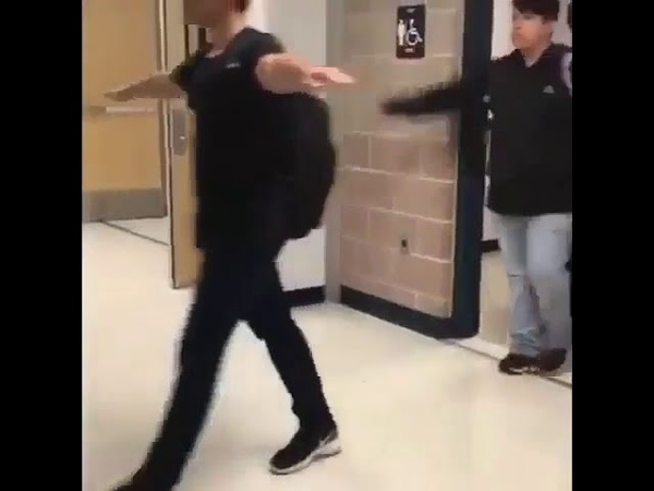 T POSE HALO THEME SONG IN SCHOOL BATHROOM