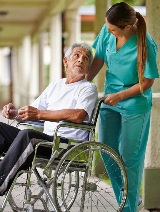Уход - это идеальная работа для людей, которые очень терпеливы и любят работать с пожилыми людьми.