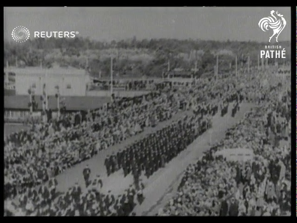 'DIGGERS' ON PARADE Anzac Day in Melbourne Gallipoli war veterans form big procession in 1932