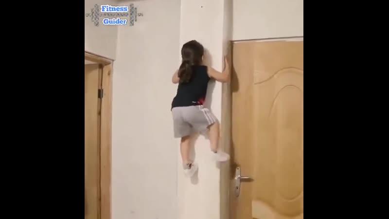 Уникальная девочка с гимнастической суперсилой